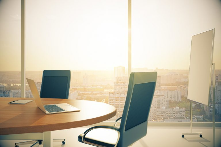 3 Benefits of a Closed Plan Office