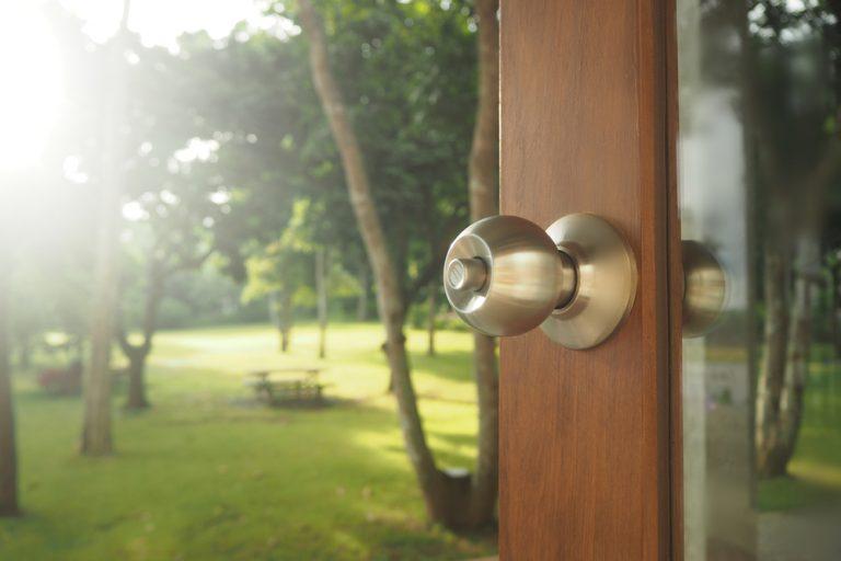install-storm-door