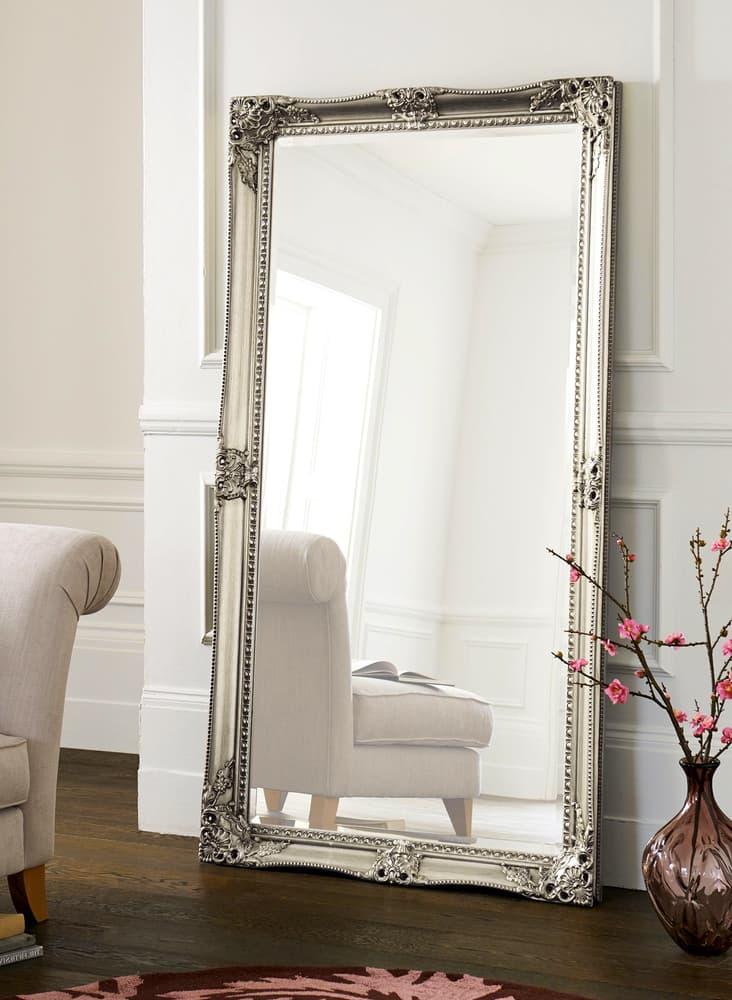 The Role Decorative Mirrors Play in Interior Design